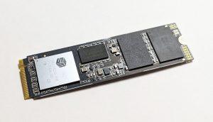 ADATA XPG SX8200 SSD Front
