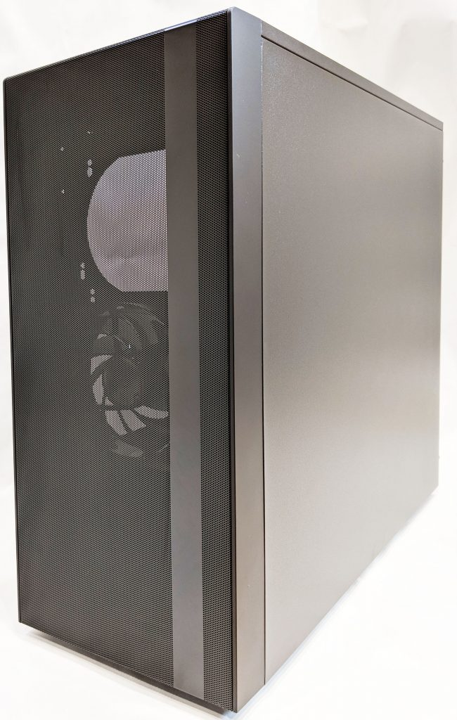 Cooler Master NR600 Case Right/Front