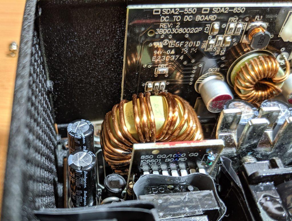 FSP Dagger Pro 650W SFX Inside 4