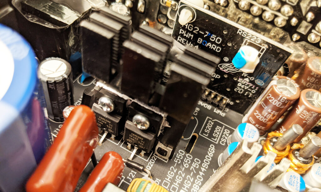 FSP Hydro G Pro 750W PSU Heat Sinks