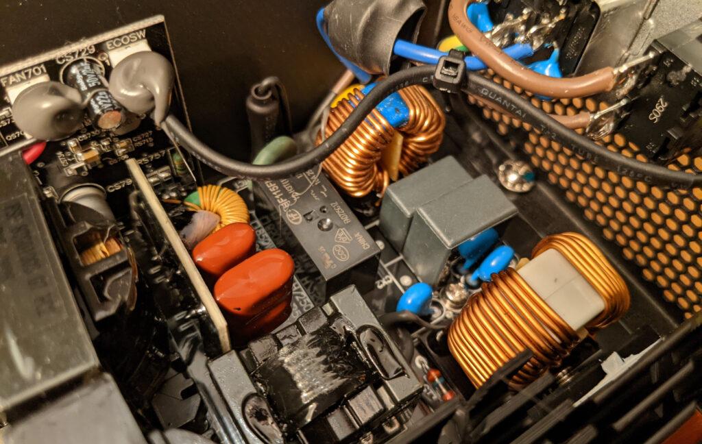 FSP Hydro PTM Pro PSU 1000W Chokes