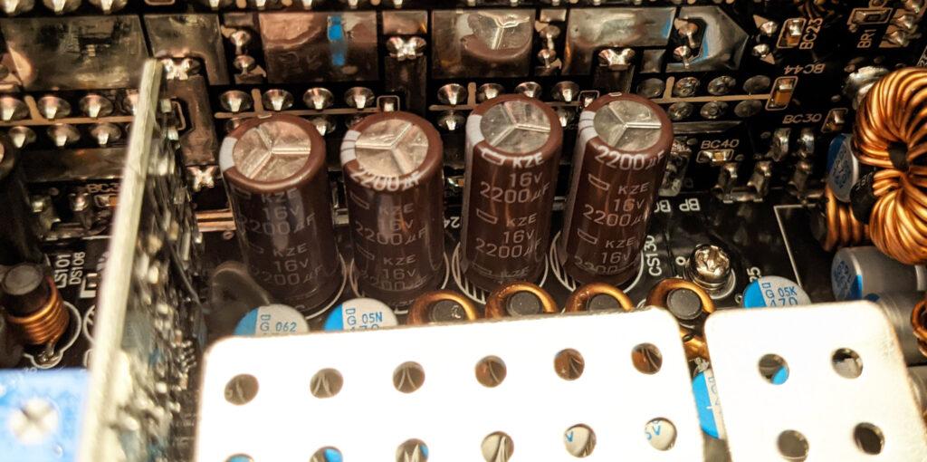 FSP Hydro PTM Pro PSU 1000W Second Statge Caps 2